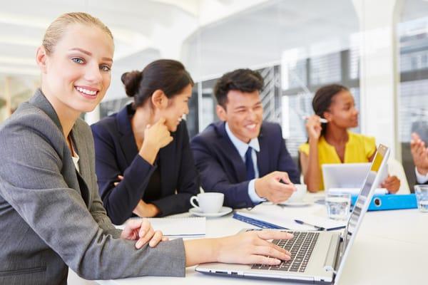 Woman-Working-Advanta-Careers